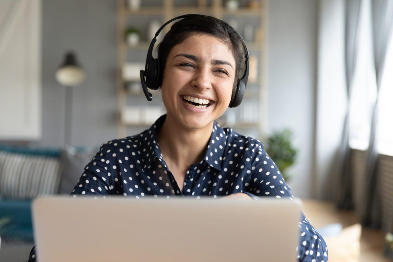 tutor delivering a session online